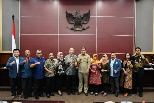 Unitomo Surabaya Berkunjung ke MPR, Studi Hukum Tata Negara