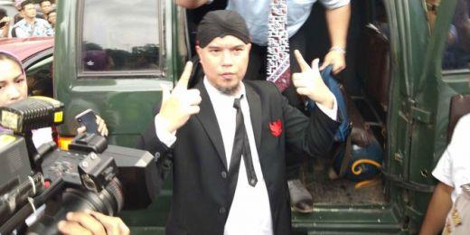 Pengamanan Super Ketat Sidang Ahmad Dhani di Surabaya