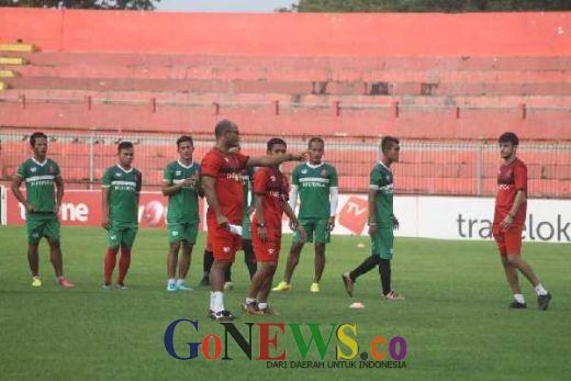 Kolaborasi Dua Pelatih Asing di Persijap Jepara