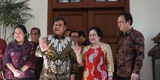 Rela Kehilangan Kursi Ketua MPR, Prabowo Selalu Mengalah dari Megawati
