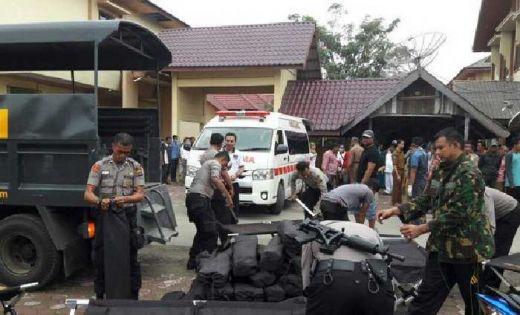 Bantu Warga Korban Gempa Kapolri Isntruksikan Kapolda Kerahkan Kekuatan dan Bekerja Habis-habisan