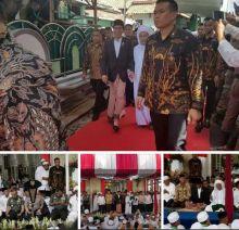 Kenakan Kain Sarung dan Jas Hitam, Jokowi Peringati Maulid Nabi bersama Habib Lutfi di Pekalongan