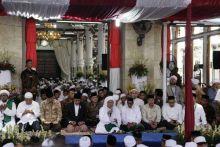 Bacakan Tawasul Pembuka Kanzus Sholawat, Habib Luthfi Bin Yahya Ajak Berdoa untuk Keutuhan Bangsa dan Negara