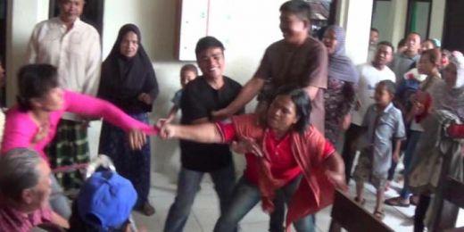 Sidang Ricuh, Keluarga Korban dan Kerabat Terdakwa Adu Jotos di Pengadilan