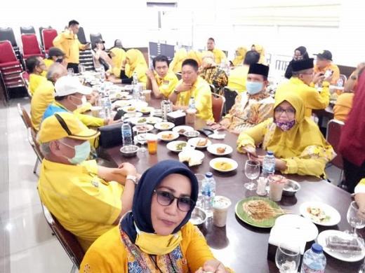Waduh... Beredar Foto Gubernur Bengkulu Buka Bersama Ditengah Covid-19