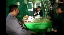 Viral Video Takmir Masjid di Surabaya Ceramahi Kapolsek Soal Masker