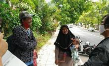 Sudah 6 Hari Berlangsung, Ini Kisah Sekeluarga Mudik Jalan Kaki dari Kebumen ke Bandung