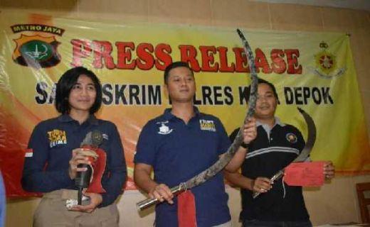 Remaja di Depok Dibekuk Polisi, Gara-gara Jualan Clurit dan Klewang di Facebook