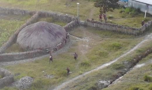 Kontak Senjata di Dekat Bandara Ilaga Papua, 1 Teroris KKB Ditembak
