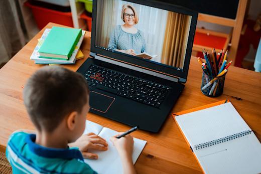 Kontrol Orangtua Wujud Keberhasilan dalam Pembelajaran Jarak Jauh saat Pandemi