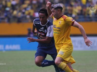 Pemain Arema FC Diinstruksikan Pressing Sriwijaya FC