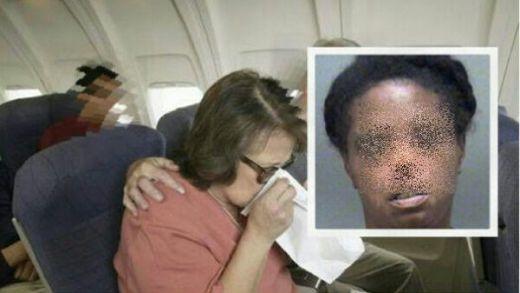 Pesawat Mendarat Darurat Gara-gara Aroma Kemaluan Larissa Jones