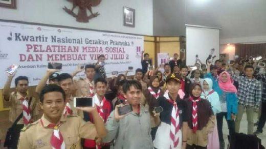 Hari Pers Nasional, Adhyaksa Dault Minta Pramuka Belajar Menulis kepada Wartawan Senior
