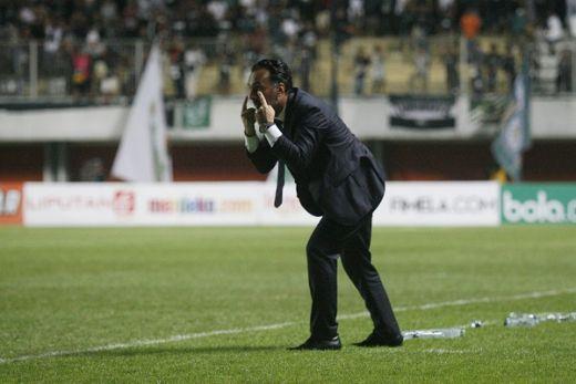 Lihat Aksi Suporter PSS Sleman, Fabio Lopez Berasa di Italia