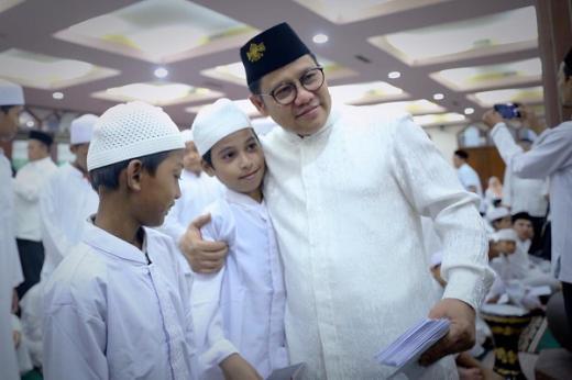Jelang Lebaran, Gus AMI Minta Kader PKB se-Indonesia Aktif Berbagi