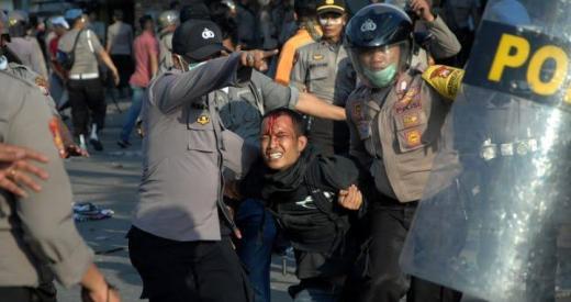 Liput Demo di Thamrin, Jurnalis Dianiaya dan Alat Kerja Dirampas Polisi