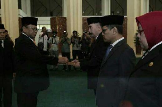 Ketua DPD RI Oesman Sapta Lantik Reydonnyzar Moenek sebagai Sesjen DPD RI yang Baru