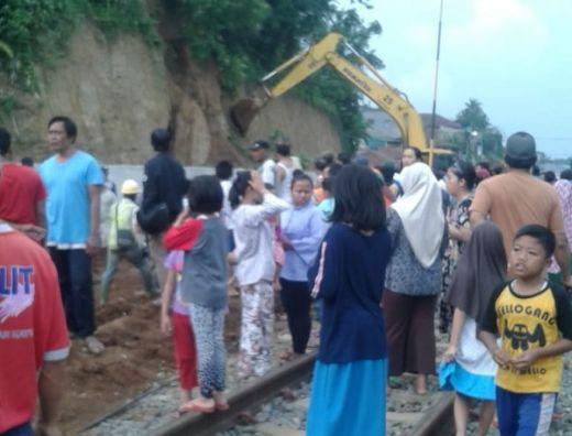 Enam Anak yang Tertimbun Longsor, Ternyata saat Bermain di Lokasi Proyek