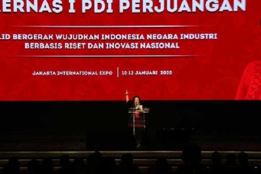 Senyum Megawati saat Prabowo Hadiri HUT PDIP
