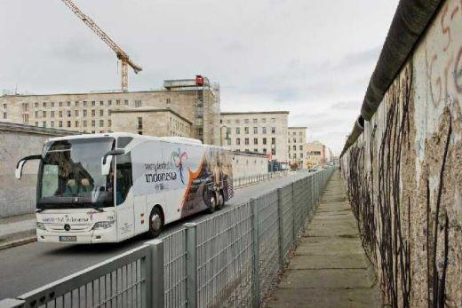 Bus Wonderful Indonesia Hebohkan ITB Berlin, Ini 7 Skenario Menpar Arief Yahya