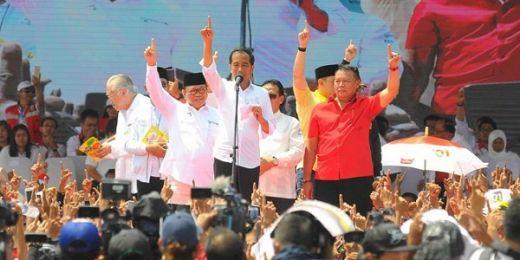 Kampanye di Jakarta, Jokowi Pamer Wajibkan PNS Pakai Baju Betawi