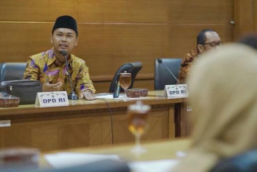 Minta Pemerintah Tak Lepas Tanggungjawab, Komite III DPD: THR adalah Hak Buruh