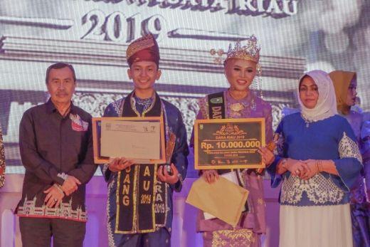 Rizki Pelalawan dan Mela Bengkalis Dinobatkan Sebagai Bujang Dara Riau 2019