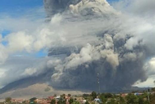 Azis Syamsuddin Minta Pemda Sumut dan BNPB Proaktif Bantu Warga Sinabung