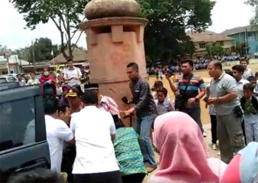 Menko Polhukam Wiranto Ditusuk Orang di Pandeglang