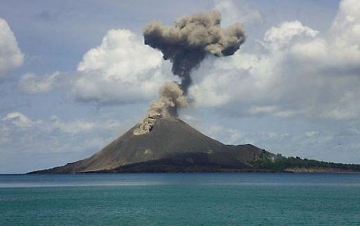 Waduh Anak Gunung Krakatau Alami 60 Kali Gempa Sejak Kamis Kemarin