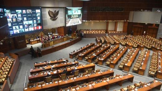 Rapat Paripurna DPR 73 Anggota Hadir Secara Fisik dan 310 Anggota Hadir Melalui Virtual