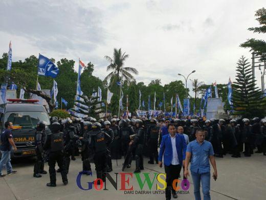 Pasca Ricuh, Polisi Blokade Arena Kongres PAN
