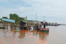 Kapal Pengangkut Minyak Sawit Tenggelam di Samarinda
