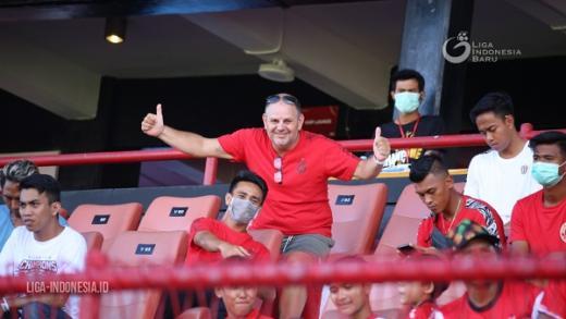 Suporter Asing Rindu Stadion Kapten I Wayan Dipta