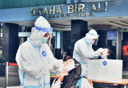 Sampai Indonesia, Puluhan PMI dari luar Negeri Langsung PCR dan Karantina