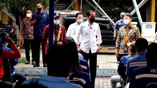 Telepon Kapolri, Jokowi: Banyak Sopir Kontainer Dipalak Preman, Tolong Diselesaikan!