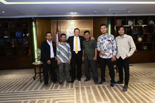 Ketua DPR Ajak Kaum Muda Aktif dan Menjadi Pendorong Pembangunan Nasional