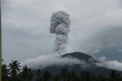 Gunung Ibu Maluku Utara Meletus, Status Tetap Waspada Level II