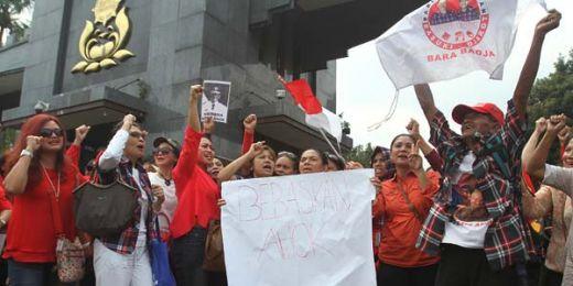 Wakil Ketua DPR Pertanyakan Sikap Polri Biarkan Ahoker Demo Hingga Larut Malam