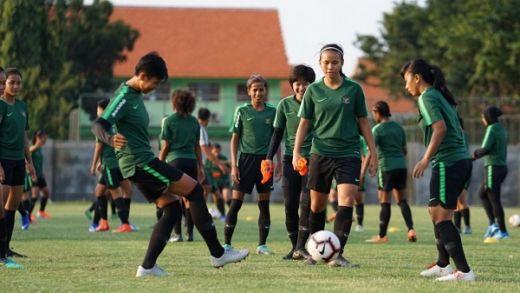 Timnas Wanita Latihan Menyerang, Bertahan dan Transisi