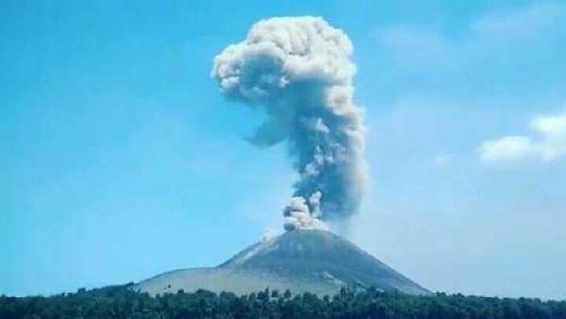 Gunung Anak Krakatau Meletus 56 Kali, Status Tetap Waspada