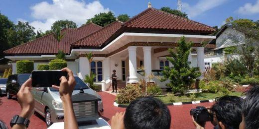 Hari Ini KPK Geledah Rumah Dinas Gubernur Kepri Nurdin Basirun