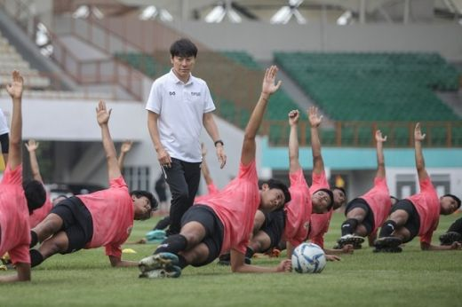 Latihan Perdana Timnas U19 Dipantau Shin Tae Yong