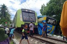 Kereta Api Tubruk Bus Trans Padang, Kondektur Luka Parah