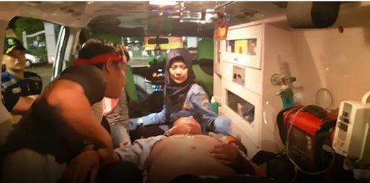 Selain Ibu-ibu Berjatuhan, Lima Orang Tumbang dan Dilarikan ke Depo Pertamina Usai Menghadang Mobil Jokowi
