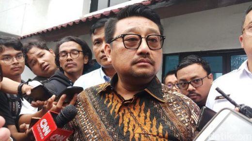 Jawab Sentilan Max Sopacua, Rachlan Nashidik: Apa Bagus Umbar Celana Dalam Partai ke Orang Lain?