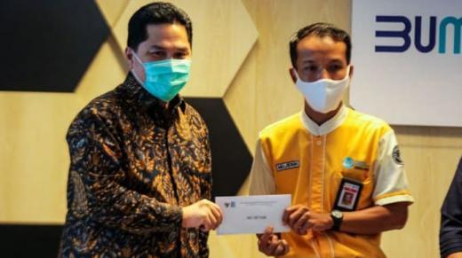 Erick Tohir Puji Kejujuran Petugas Kebersihan KRL Kembalikan Setengah Miliar