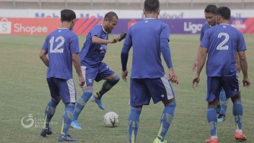 Persib Tanpa Jufriyanto dan MIhelic Hadapi Borneo FC