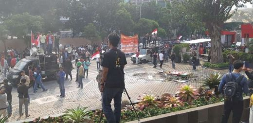 Demo Dukung Revisi UU di KPK Ricuh