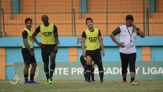 Rahmad Darmawan Tetap Waspadai Pemain Persib Bandung